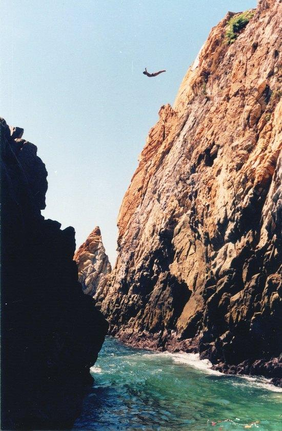 Acapulco after dawn 1 theography - The cliff dive ...